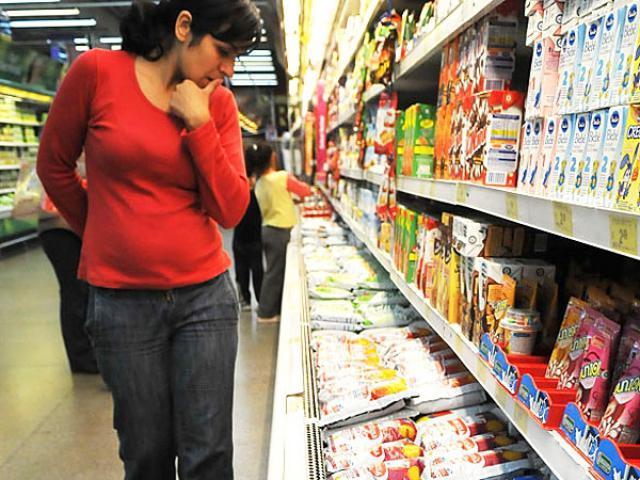 Por la evasión fiscal de los comercios deberán pagar los vecinos de La Plata 00242