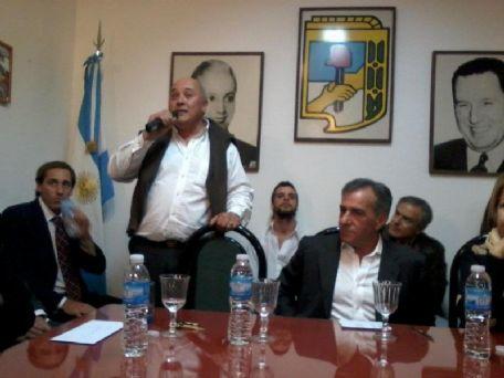 La Plata: inauguran local de la agrupación 28 de Junio, con Cariglino, Camaño. Por Noelia Marone. 00322