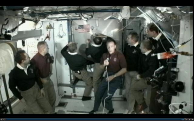 [STS-135] Atlantis: Déroulement de la mission.   - Page 5 15h3510