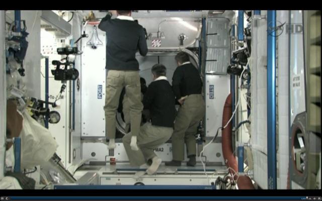 [STS-135] Atlantis: Déroulement de la mission.   - Page 5 15h4210