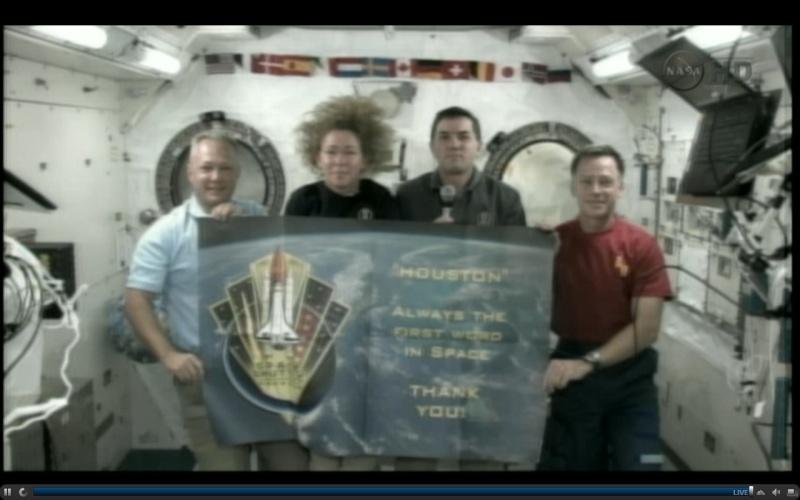 [STS-135] Atlantis: Déroulement de la mission.   - Page 4 19h3810