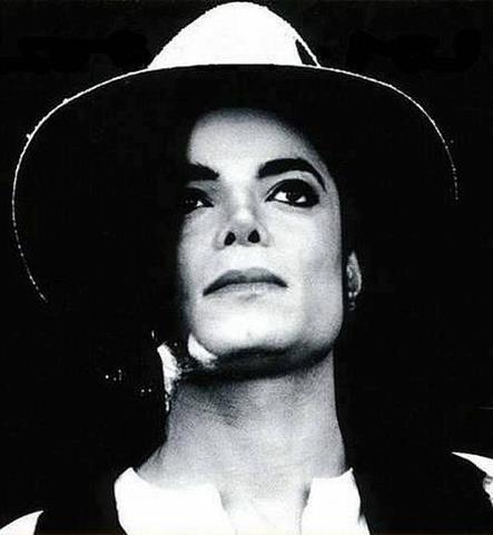 Deliciously Michael... Photos! 40610411