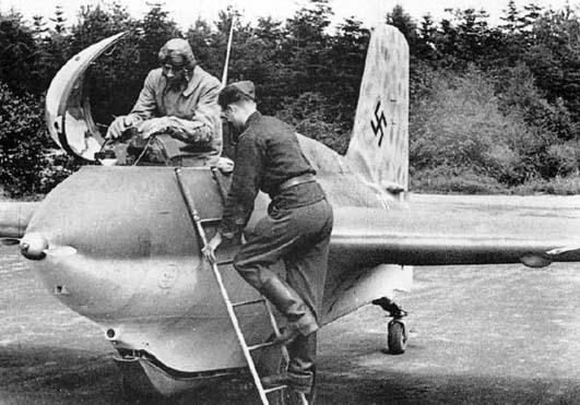 """Messerschmitt Me 163 """"Komet"""" Me-16312"""