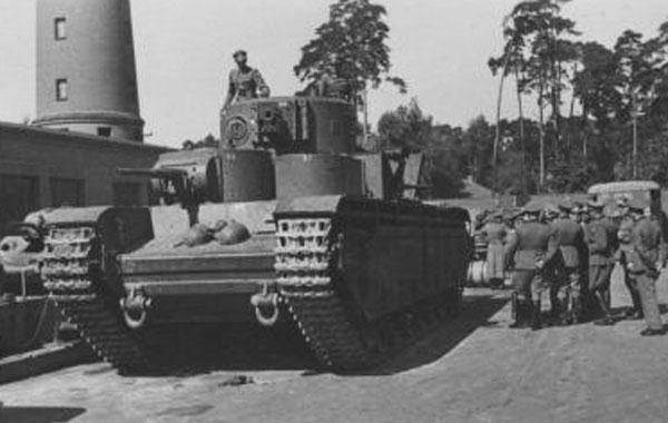 Beute T-35  ICM 1/35 FINI T-35_n10