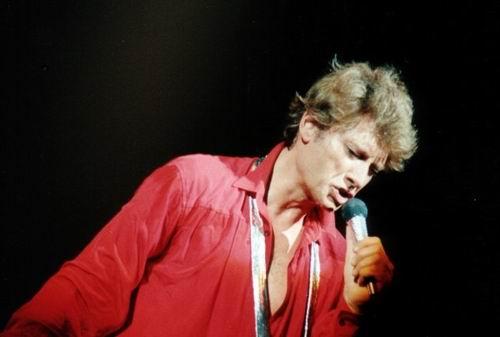 Johnny Chemises en Rouge, Noir, Blanc, en Couleur ..... - Page 3 J1411811