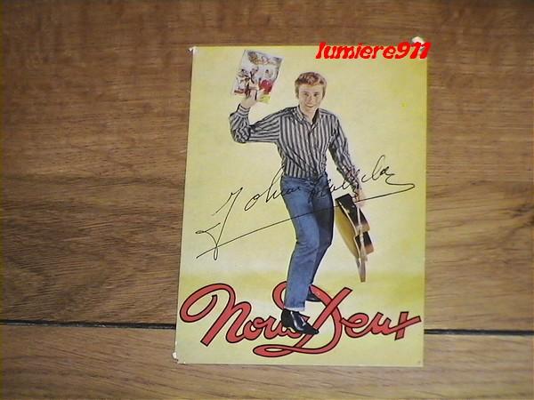 Johnny Chemises en Rouge, Noir, Blanc, en Couleur ..... - Page 6 Photos22