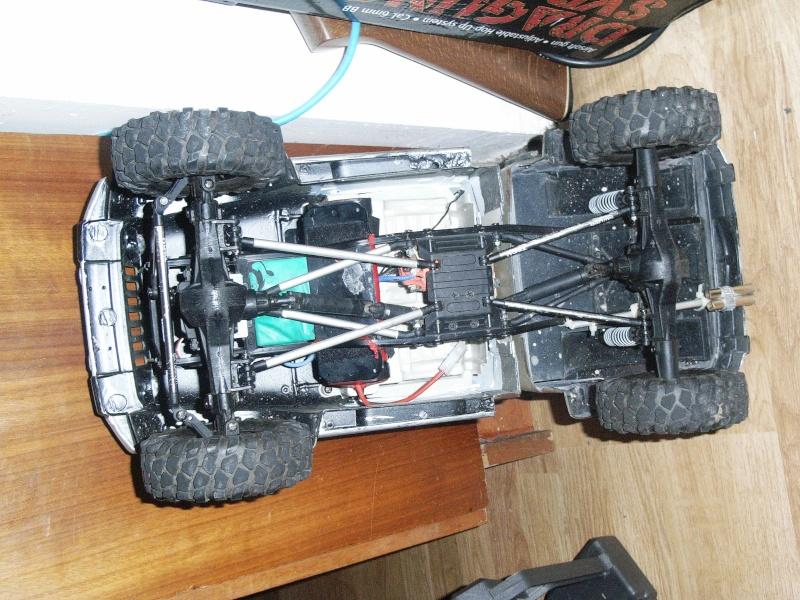 [ SCX10 Axial ] nouvelle Jeep Dessou10