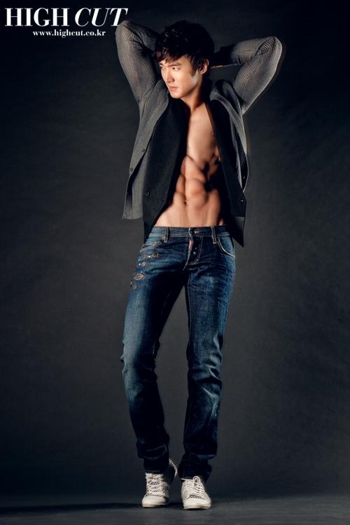 Chikos guapos de Korea♥ Siwon_10