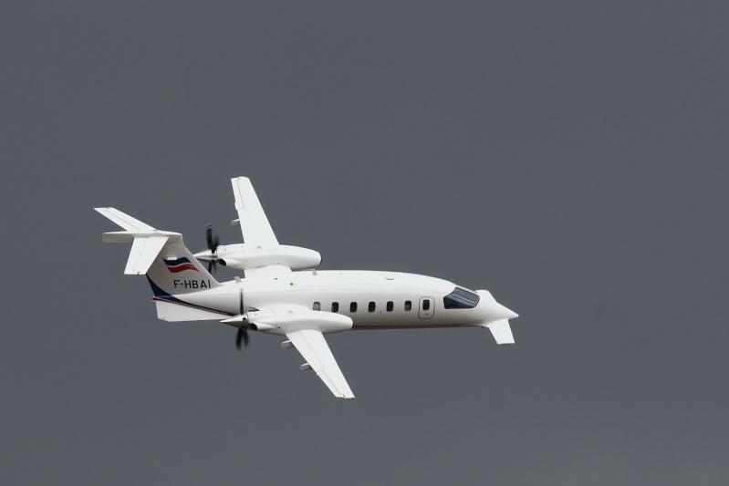 observation d'un étrange avion  Dsc_7210