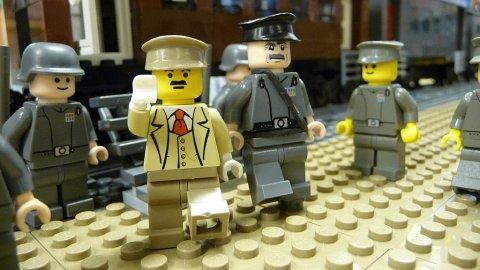 L'univers des Geeks - Page 6 Lego-h10