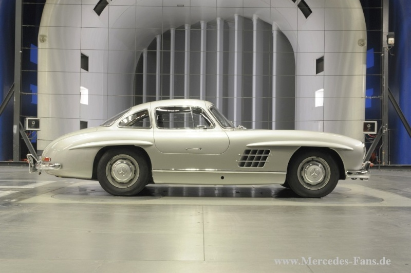 La Mercedes 300 SL 1952 (W194) - Page 2 009-me25