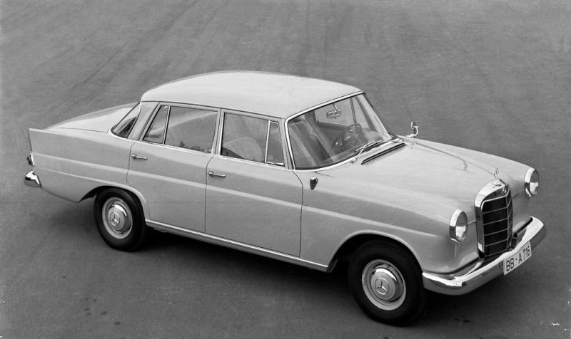 "[Historique] La Mercedes-Benz W110 ""Kleine Heckflosse"" 1961 - 1968 05_hec10"