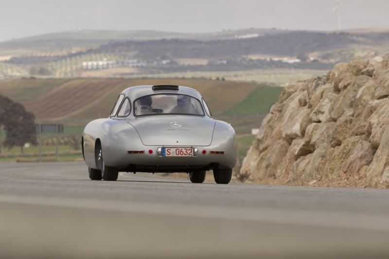 La Mercedes 300 SL 1952 (W194) - Page 2 1-300_11