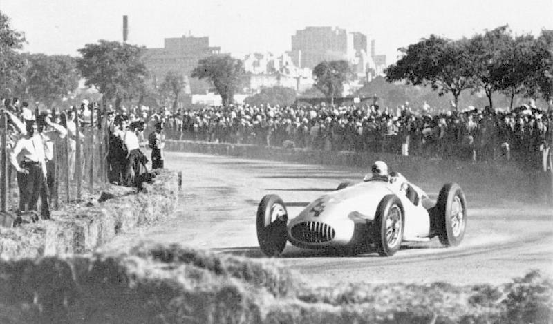 [ Historique] Mercedes-Benz W 154 1938-1939 (F1)  1951_b10