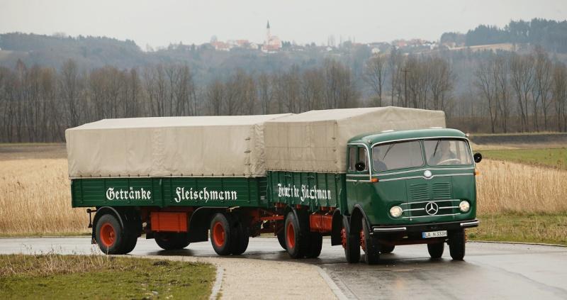 [Historique] Les Poids lourds Mercedes  1958-113