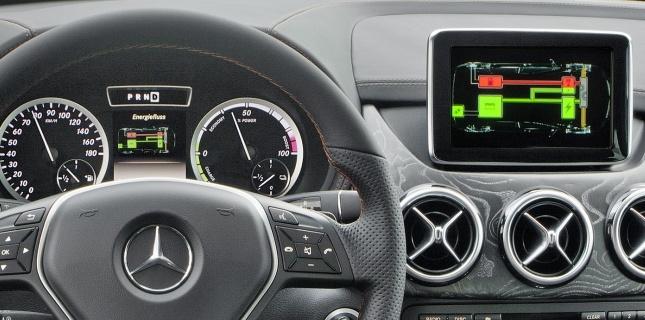 Mercedes Classe B E-Cell Plus Concept 2011 24265710