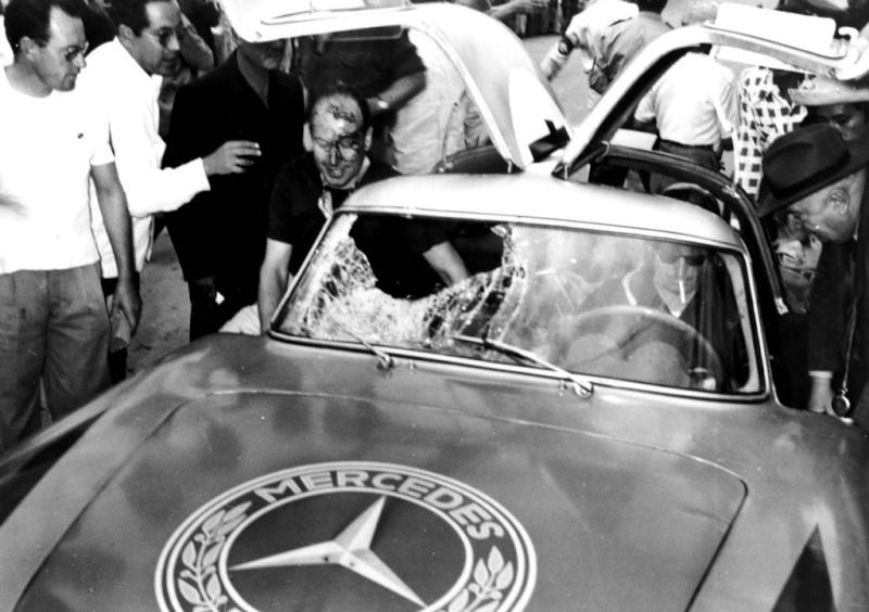 La Mercedes 300 SL 1952 (W194) - Page 2 44467611