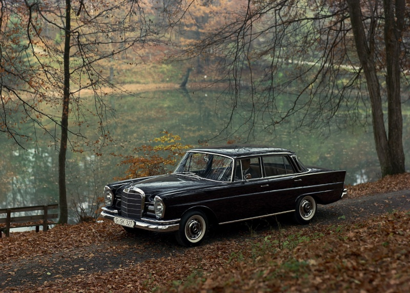 Les Mercedes 230 S / 220 SE Grosse Heckflosse  (W111) 1961-1965   - Page 2 50-yea10