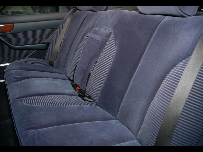 Les Mercedes 500/560 SE/SEL (W126)  536-1207