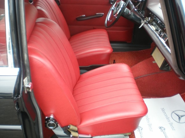 Les Mercedes 230 S / 220 SE Grosse Heckflosse  (W111) 1961-1965   - Page 2 Andrea15