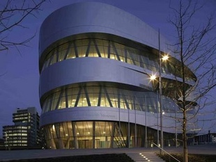 musée - [Photos] Le Mercedes-Benz Museum de Stuttgart Editor78