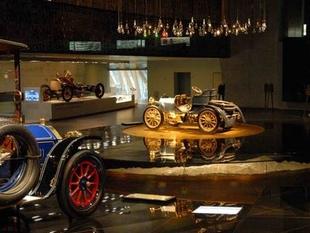 musée - [Photos] Le Mercedes-Benz Museum de Stuttgart Editor84