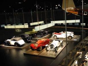 musée - [Photos] Le Mercedes-Benz Museum de Stuttgart Editor86