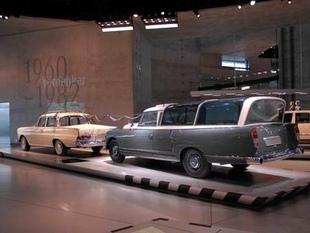 musée - [Photos] Le Mercedes-Benz Museum de Stuttgart Editor88