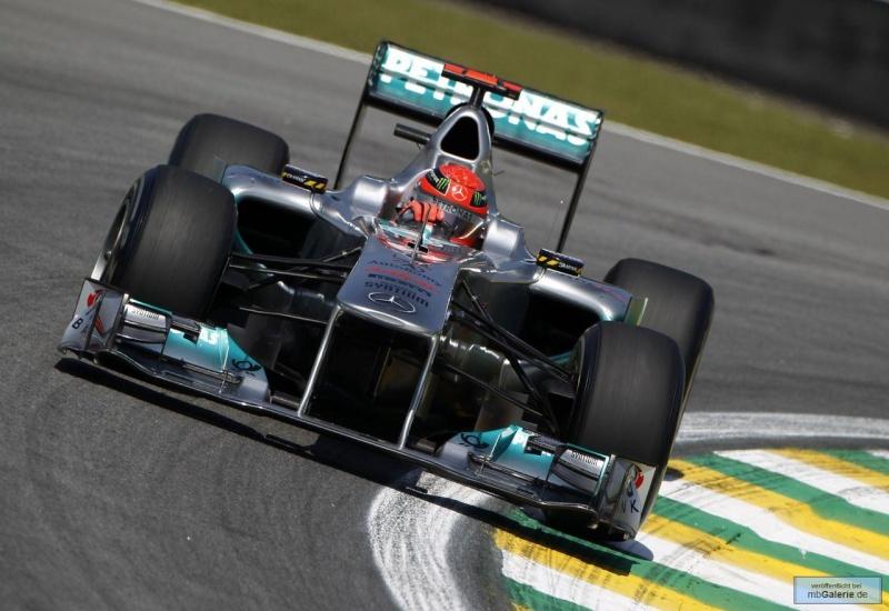 Formule 1 2011  - Page 38 Mbga1139