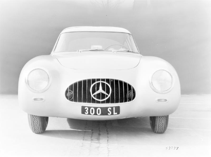 La Mercedes 300 SL 1952 (W194) - Page 2 Trivia11