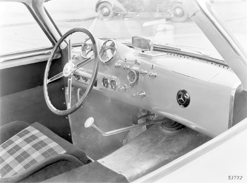 La Mercedes 300 SL 1952 (W194) - Page 2 Trivia15