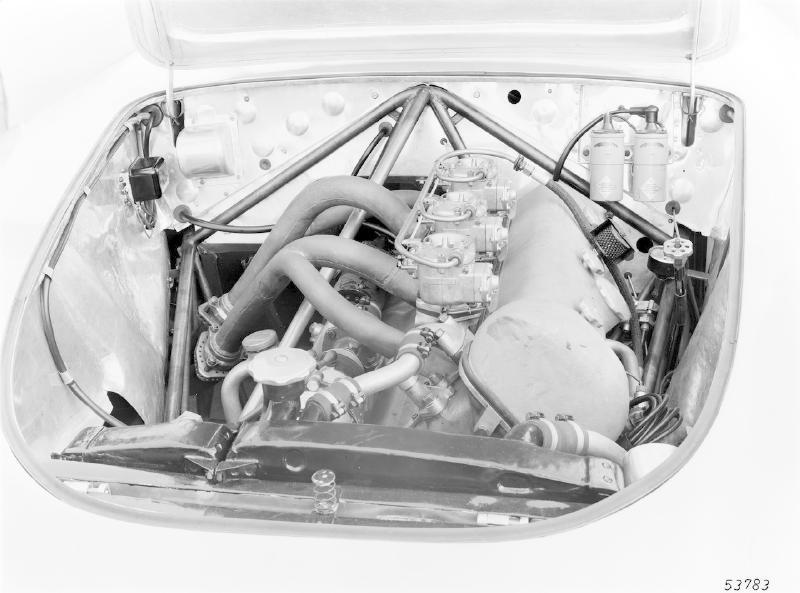 La Mercedes 300 SL 1952 (W194) - Page 2 Trivia18