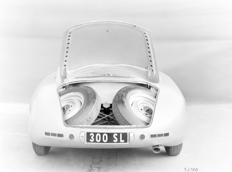 La Mercedes 300 SL 1952 (W194) - Page 2 Trivia19