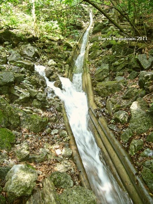 Vodný žľab, à Rakytovo (Slovaquie) P1210321