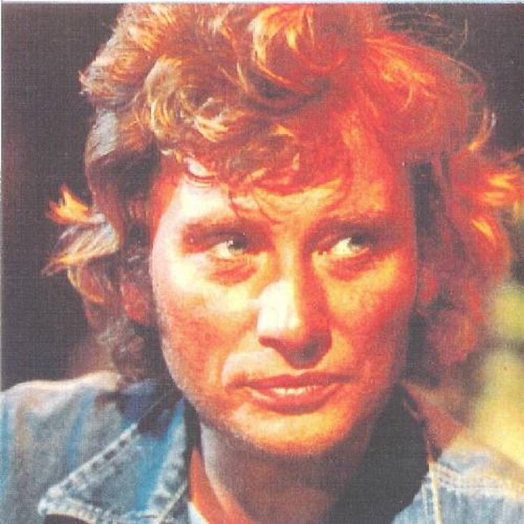 Johnny chez le coiffeur, cheveux longs cheveux courts  - Page 6 24952810