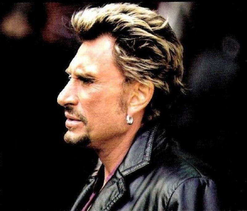 Johnny chez le coiffeur, cheveux longs cheveux courts  - Page 5 25990611