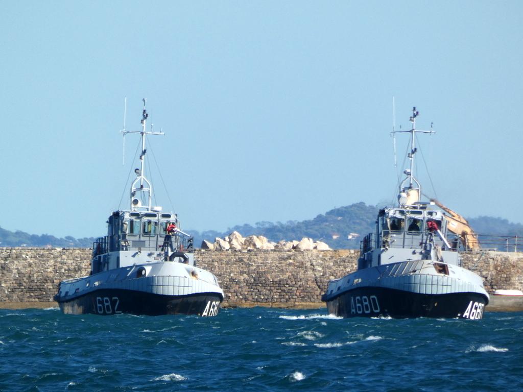 [Les ports militaires de métropole] Port de Toulon - TOME 1 - Page 6 P1140613