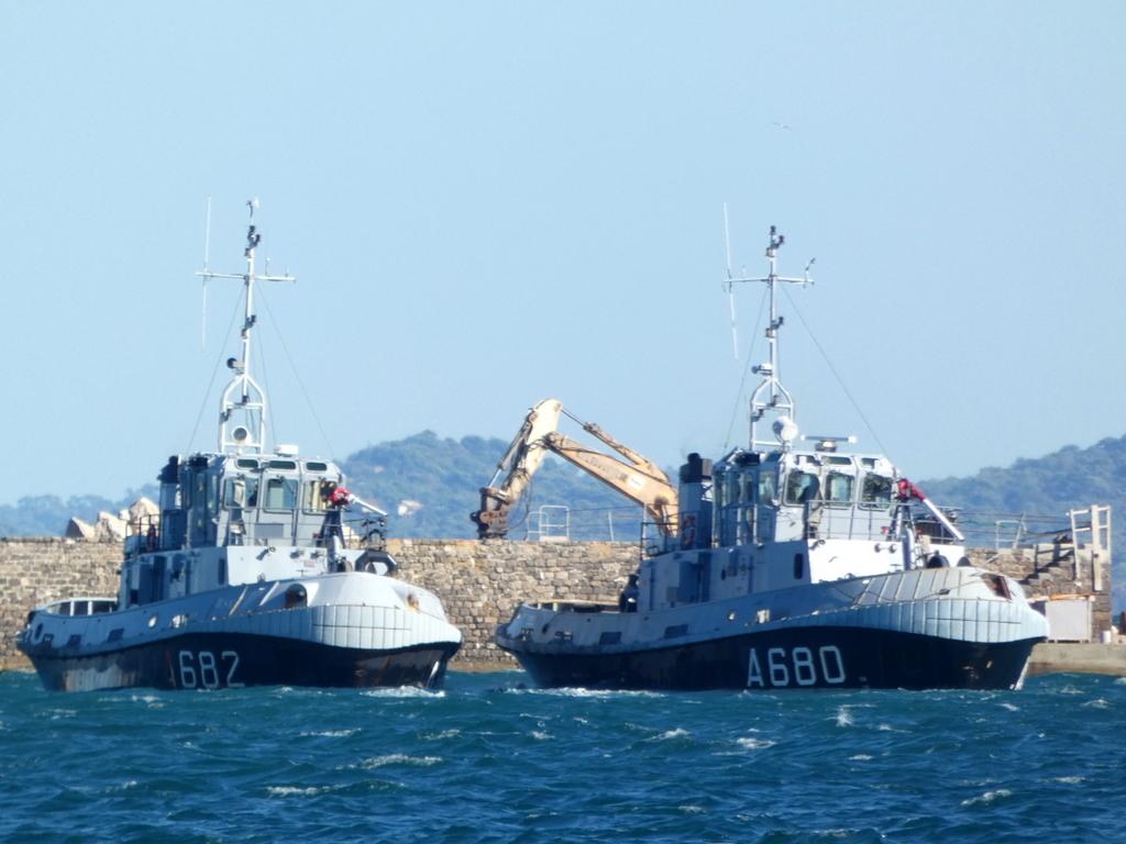 [Les ports militaires de métropole] Port de Toulon - TOME 1 - Page 6 P1140614
