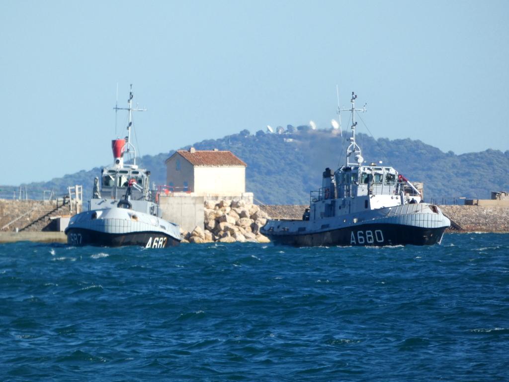 [Les ports militaires de métropole] Port de Toulon - TOME 1 - Page 6 P1140615
