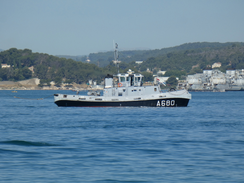 [Les ports militaires de métropole] Port de Toulon - TOME 1 - Page 38 P1230011