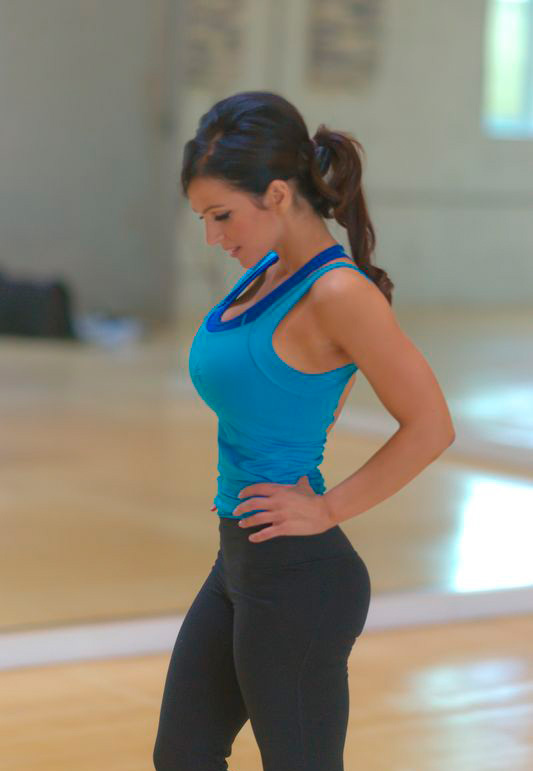 sara hadi -  Just finished shooting my new workout DVD =) Gdsc0711