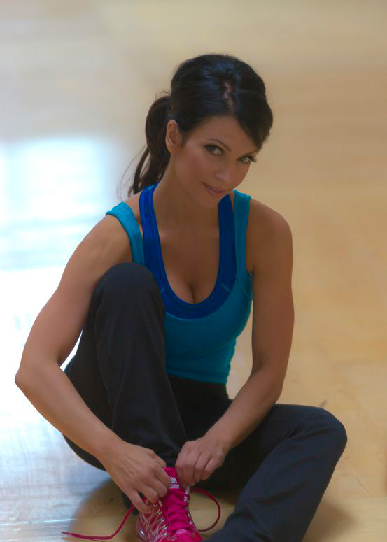 sara hadi -  Just finished shooting my new workout DVD =) Gdsc0712