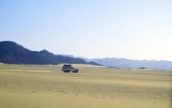 Algerian Desert (Let the pictures take) Al10110