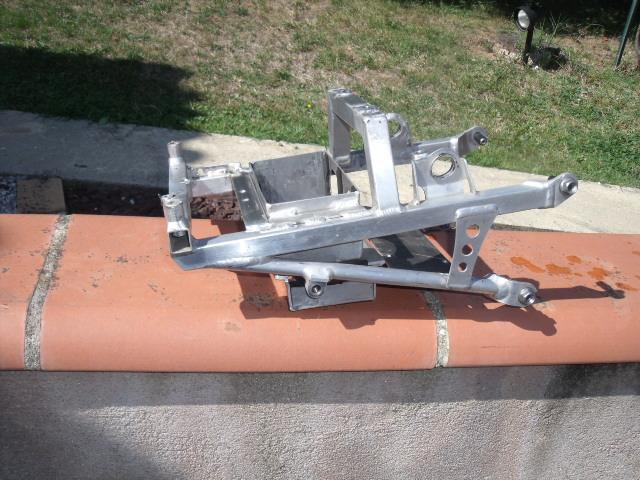 Problemes montage poly arrière cbr sc59/ boucle arrière  Dscf4910