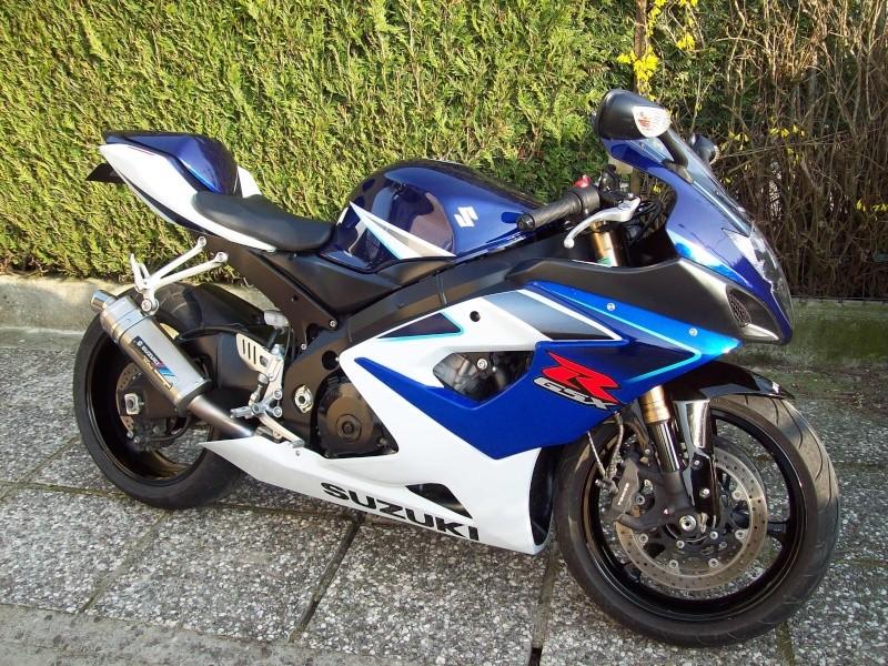 Sportives neuves Suzuki 750 et 1000 au même prix... 100_0315