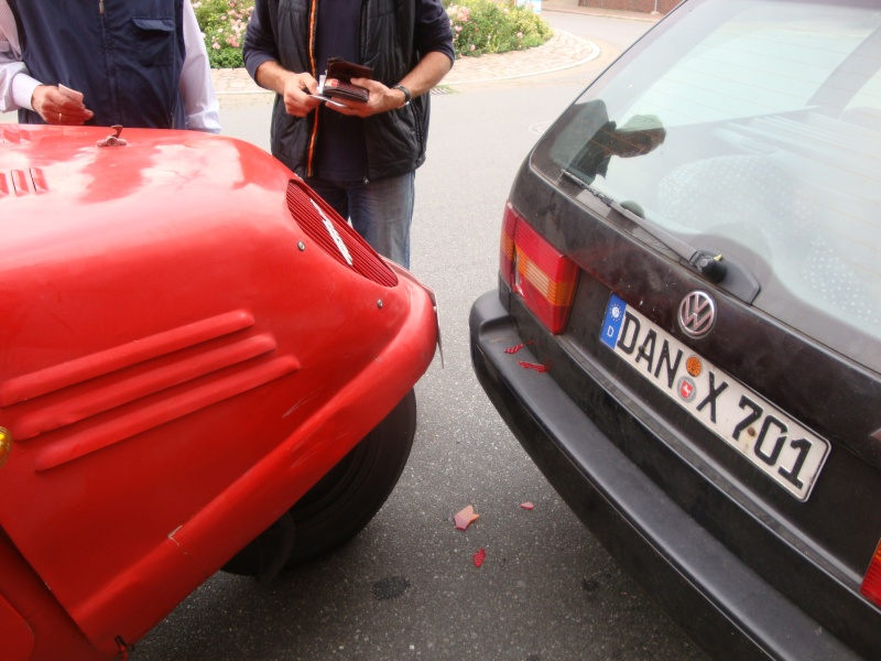 Unser prtischenwagen hatte heute einen Unfall........ :-(  Dsc04610
