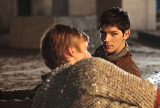 Merlin - Page 4 83738210