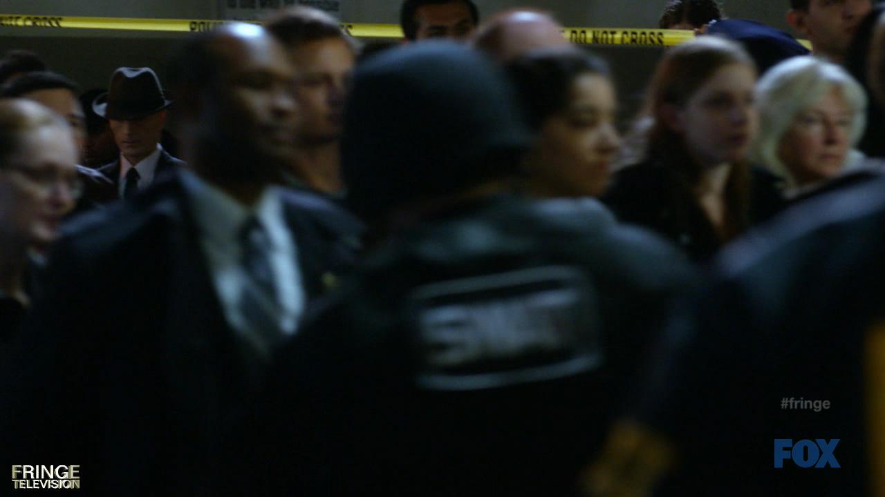 The Observer - Aparições Fringe24