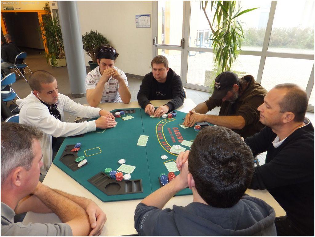 6ème tournoi deepstack Guichen - samedi 29 octobre 2011 Coco_e10