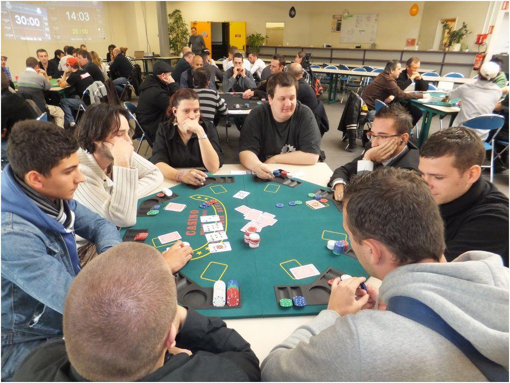 6ème tournoi deepstack Guichen - samedi 29 octobre 2011 Lylybe10